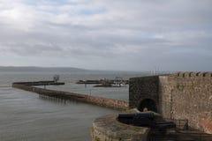 Porto di Carrickfergus con il castello Immagine Stock Libera da Diritti