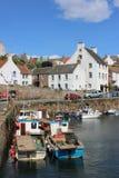 Porto di Crail delle piccole barche, Crail, Fife, Scozia Immagine Stock Libera da Diritti