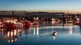 Porto di Danzica alla notte immagini stock libere da diritti