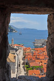 Porto di Dubrovnik dalle pareti della fortezza Fotografie Stock