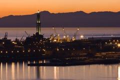 Porto di Genova al tramonto immagine stock