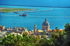 Porto di Genova da Pegli qui sopra, la Liguria, Italia immagine stock