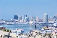 Porto di Genova, visualizzazione di panorama fotografie stock libere da diritti
