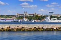 Porto di Haydarpasa e città universitaria di Haydarpasa dell'università di Marmara in Immagine Stock Libera da Diritti