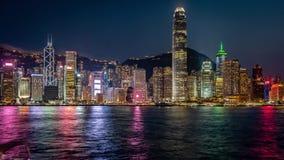 Porto di Hong Kong al timelapse di notte archivi video