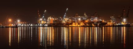 Porto di La Spezia alla notte - Liguria Italia fotografie stock libere da diritti