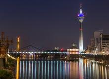 Porto di media di Duesseldorf alla notte Fotografia Stock