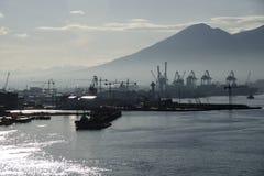 Porto di Napoli ad alba Fotografia Stock Libera da Diritti