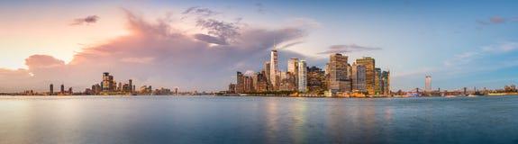 Porto di New York al crepuscolo fotografie stock
