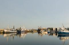 Porto di pesca professionale di Simrishamn fotografia stock