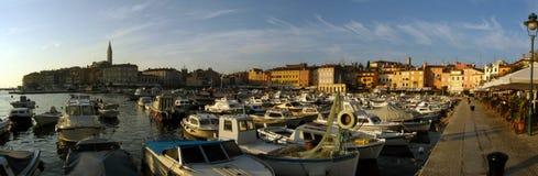 Porto di Rovigno al crepuscolo Fotografia Stock Libera da Diritti