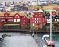 Porto di Torshaven con gli yacht immagine stock