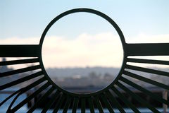 Porto di trascuratezza del portone nero del ferro Fotografia Stock