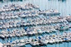 Porto di Vieux del vecchio porto nella città di Cannes in Riviera francese fotografia stock