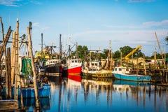 Porto do banco de areia dos barcos de pesca Foto de Stock Royalty Free