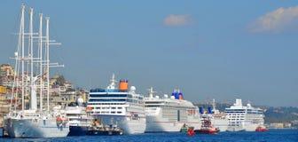Porto do cruzeiro de Istambul imagens de stock royalty free