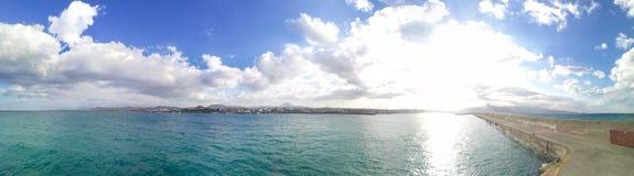 Porto do panorama de Heraklion, Creta Céu com nuvens fotos de stock royalty free