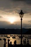 Porto do por do sol da lâmpada de rua Foto de Stock Royalty Free