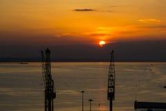Porto durante o por do sol Fotografia de Stock Royalty Free