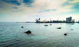 Porto ed oceano immagine stock