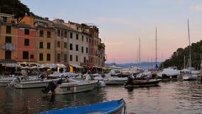 Porto em Portofino no crepúsculo, Itália video estoque