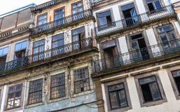 Porto fördärvade byggnader Arkivfoton