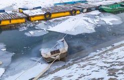 Porto fluvial congelado Fotografia de Stock