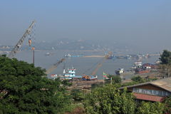 Porto fluviale sul Irrawaddy nel Myanmar fotografia stock