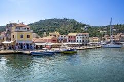 Porto - Gaios - isola di Paxos - Grecia - Mar Ionio immagini stock libere da diritti