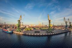 Porto industrial da estrada de ferro da carga, distorção do olho de peixes fotografia de stock royalty free