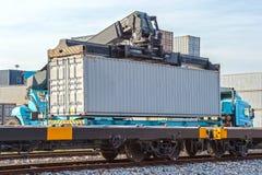Porto industriale con i contenitori Immagini Stock Libere da Diritti