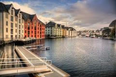 Porto interno di Alesund in Norvegia Fotografie Stock Libere da Diritti