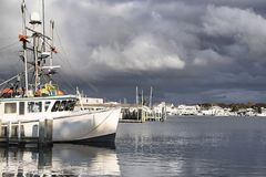 Porto interno em Lewis Bay em Hyannis Massachusetts fotografia de stock