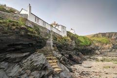 Porto Isaac Cottage, Cornualha norte, Inglaterra foto de stock