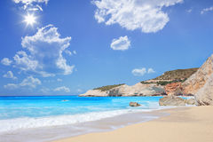 Porto Katsiki strand på en sommardag, Lefkada ö Royaltyfria Bilder