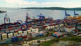 Porto marittimo commerciale di Vladivostok stock footage