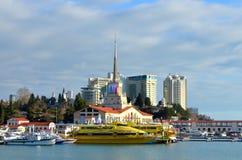 Porto marittimo di Soci decorato per le olimpiadi invernali 2014 Immagine Stock