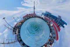 Porto marittimo di Soci un giorno soleggiato contro Fotografia Stock