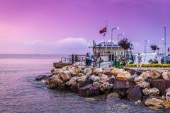 Porto marittimo dopo piovosità pesante - Turchia della città di vacanze estive Fotografia Stock