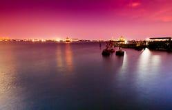 Porto marittimo rosa del cielo fotografie stock libere da diritti