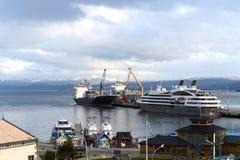 Porto marítimo de Ushuaia - a cidade do extremo sul no mundo Foto de Stock