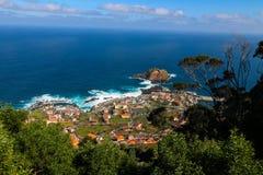 Porto Moniz på norrkusten av ömadeiran, Portugal Arkivbilder