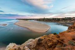 Porto Noarlunga di Southport ad alba che trascura la bocca del Immagine Stock