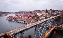 Porto panorama på en molnig morgon royaltyfria bilder