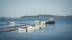 Porto pequeno de Ouranopolis Grécia fotos de stock
