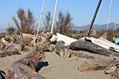Porto pequeno ou porto temporário em uma praia do inverno fotografia de stock royalty free