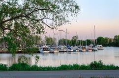 Porto perto de Toronto, Ontário, com muitos barcos Foto de Stock Royalty Free