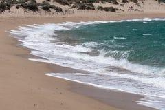 PORTO POLLO, SARDINIA/ITALY - MAJ 21: Plaża przy Porto Pollo Obraz Stock