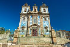 Porto, Portugal: Ansicht der Kirche des Heiligen Ildefonso Igreja de Santo Ildefonso stockbild