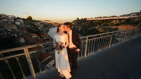 Porto Portugal bruden och brudgummen lager videofilmer